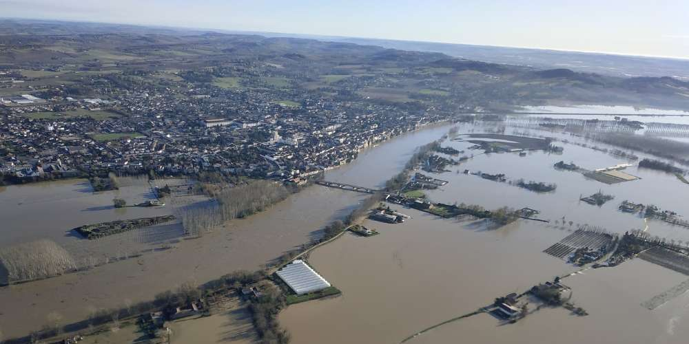 La Garonne en crue à Tonneins. crédits: Amandine Gasparotto